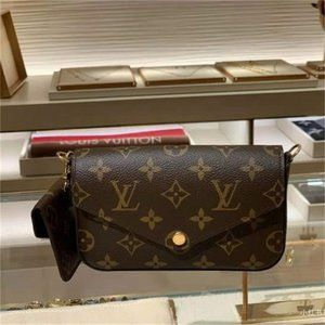 Louis Vuitton shoulder bags M80091 NWT  wallet